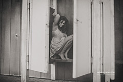 Things happen on the Edge! (check4newton) Tags: häusliche gewalt violence woman frauen angst fear flucht escape liebe love open aperture bokeh ef 14 50mm porträt