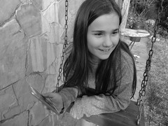 (Joan Pau Inarejos) Tags: móvil blancoynegro gronxador columpio sonreír sonrisa aniversari cumpleaños papa paco 62 2019 febrer febrero ordal familia família familiars familiares