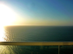 Atlántico (Kill yr idols) Tags: ocean oceano mar sea water agua horizon horizonte view balcony balcón atlántico atlantic