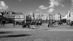 The bike (Renate R) Tags: belgium blackwhite fahrrad bike bicycle fiets leeze bruges belgique belgië changeyourliferideabike bicyclette bicicleta rower велосипедный markt marketplace