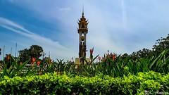 180731-04 Cambodia-Vietnam Friendship Monument  (2018 Trip) (clamato39) Tags: samsung phnompenh cambodge cambodia asia asie monument ciel sky clouds nuages voyage trip plants city ville urban urbain