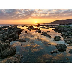 Osmington Bay reflections (Chris Jones www.chrisjonesphotographer.uk) Tags: coastal portland weymouth coastline coast jurassic rocks sky ocean sea seascape photographer jones chris uk england west south dorset sunset bay osmington