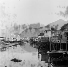 Tai O (Hong Kong) (goncalo_nuno_rodrigues) Tags: • bw blackwhite buyfilmnotmegapixels trix 120 mediumformat filmisnotdead ishootfilm film taio hongkong streetphotography streetshooting carlzeiss kodak hasselblad
