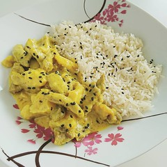 IMG_20180321_162004_434 (Kirayuzu) Tags: essen food mittagessen lunch selbstgekocht selbstgemacht homemade curry currymadras madras chili schweinefleisch meat pork ananas pineapple reis basmatireis rice basmatirice sesame sesam spicy kochen asiatisch asianfood meal cooking instagram
