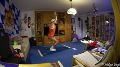 Nike+ Training - Yoga Krafttraining für den Unterkörper - Stuhl-Haltung im Flow (Laterna Magica Bavariae) Tags: nike training yoga krafttraining unterkörper stuhl haltung flow daily picture workout fitness home
