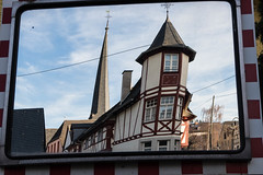 Winzeridylle (ralf_hewing) Tags: antik mosel idylle turm haus historie moseltal winzer canon