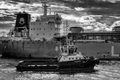Port Tamatave / Порт Туамасина (dmilokt) Tags: чб bw черный белый black white dmilokt порт port корабль ship