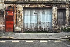 Les rides du vieux Bordeaux (Isa-belle33) Tags: architecture urban urbain city ville window fenêtre door porte wall mur old ancien fujifilm bordeaux street streetphotography garage