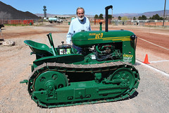 Oliver & Oliver (twm1340) Tags: 2019 az arizona flywheelers antique tractor show cottonwood 1952 oc3 crawler oliver