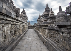 Borubudur (Hans van der Boom) Tags: vacation holiday asia indonesia indonesië java borubudur candi temple stupa buddha buddhist path artwork id