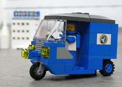 Lunar City Tuk Tuk - Febrovery 2019 13 (captain_j03) Tags: toy spielzeug 365toyproject lego minifigure minifig moc febrovery space rover car auto tuktuk