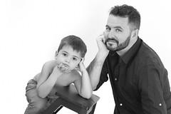 Mateo y su papá. (@merchelas) Tags: bnw portrait blancoynegro black blackandwhite monocrome familia padreehijo