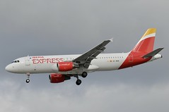 EC-MUK (LIAM J McMANUS - Manchester Airport Photostream) Tags: ecmuk iberiaexpress ibs i2 airbus a320 320 airbusa320 manchester man egcc