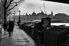 Second-hand book seller (fredpellerin18) Tags: uk bouquiniste londres quai tamise wharf quay secondhandbookseller thames river london promenade walk book seller