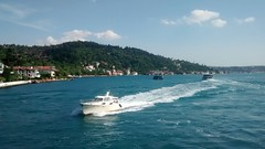 The Bosphorus, İstanbul... (essam_haffar) Tags: turkey ottomans istanbul konstantinopolis constantinople thebosphorus bluesky sky water blue waves boat clouds green mountain
