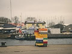 Hafen Burgstaaken - 8. Februar 2019 - Fehmarn - Schleswig-Holstein - Deutschland (torstenbehrens) Tags: hafen burgstaaken bunte leere fischkisten olympus penf m45mm f18 8 februar 2019 fehmarn schleswigholstein deutschland