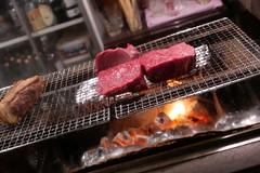 grilling beef (HAMACHI!) Tags: tokyo 2019 japan food foodporn foodie foodmacro meat beef 肉山 nikuyama kichijoji restaurant diningrestaurant lumix lumixdclx100m2 dclx100m2