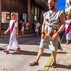 Convivencia (Walimai.photo) Tags: astures romanos astorga león españa spain street calle candid robado portrait retrato lx5 lumix panasonic caminodesantiago vía de la plata