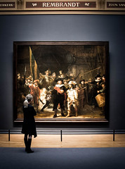 Nightwatching ...alone! (smeerjewegproducties) Tags: rembrandt rijksmuseum amsterdam nightwatch nachtwacht alone