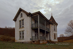 Abandoned house (Brian_Peterman) Tags: abandoned abandonedhouses abandonedplaces