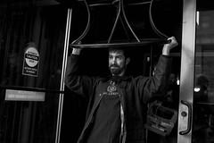 Chestnut Street, 2018 (Alan Barr) Tags: philadelphia 2018 chestnutstreet table street sp streetphotography streetphoto blackandwhite bw blackwhite mono monochrome candid city people ricoh gr