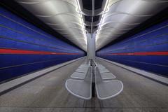Am Hart (StephanieB.) Tags: amhart station ubahn underground subway tube métro munich munchen bahnhof deutscland lines lignes architecture couloeurs colors bleu blue red rouge blanc white quai rail u2
