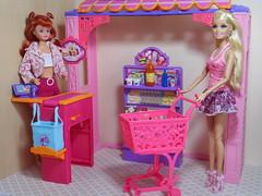 Miranda & Abigail (BackToTheChildhood80) Tags: barbie doll mattel dreamhouse susy blond red malibu market set