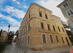 Piazza Marafor, Poreč, Croatia (Eadbhaird) Tags: piazzamarafor croatia architecture poreč parenzo square trgmanafor hrv