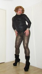 snake leggings with black cougar top (Barb78ara) Tags: leggings snakeprint snakeleggings snakeprintleggings cougarprint cougartop blackcougarprint blackcougartop tighttop skintighttop boots velvet blackvelvet blackvelvetboots highheels stilettohighheels stilettoboots redhead