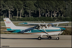 Cessna C172 (I) (Salvador Ruiz Gómez) Tags: avioneta hélice cessna cessna172 manises valenciana vlc vlclevc