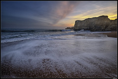 "Sunset At ""Don't remember the name"" Beach 😆#3 (LilFr38) Tags: lilfr38 fujifilmxpro2 fujifilmfujinonxf1024mmf4rlmois algarve portugal beach ocean sand wave cliff rock sunset plage océan sable vague rocher falaise coucherdesoleil"