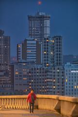 """""""Solo caminando descubrirás donde te apetece estar sentado"""" (Emilio Rodríguez Álvarez) Tags: coruña paseo maritimo larga exposición skyline"""