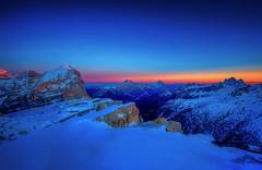 luci della ribalta (Gio_guarda_le_stelle) Tags: dolomiti dolomites dolomiten sunset ice cool snow freddo mountain mountainscape alps italy