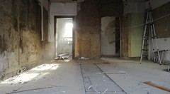 this is where the light comes in (erix!) Tags: ladenlokal shop baustelle underconstruction constructionsite room doors