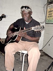 Bentonia Bluesman IN Blue Front Cafe:   WATCH: (Shein Die) Tags: blues music jimmyduckholmes bluefrontcafe guitar juke bentonia jukejoint mississippi