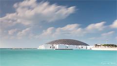 Louvre Abu Dhabi (karindebruin) Tags: uae abudhabi louvre museum art kunst sea le white blue clouds wolken