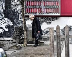 eye of the tiger (gro57074@bigpond.net.au) Tags: kabukicho tiger mural f28 2470mmf28 tamron d850 nikon color colour 2019 february city shinjuku tokyo candidphotography candidstreet candid streetphotograpgy japan guyclift eyeofthetiger