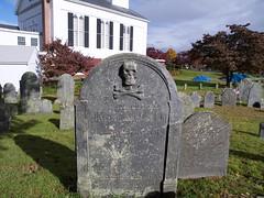 2018.10.29-14.26.21 (Pak T) Tags: cemetery chelmsford crossbones forefathersburialground grave graveyard massachusetts olympus1260mm skull skullcrossbones skullandcrossbones swd