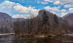 Velike okuke rijeke Kupe oko kilometra nizvodno od Gašparci (MountMan Photo) Tags: rijekakupa gorskikotar primorskogoranska croatia landscape voda water zima winter flickrunitedaward