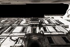 Looking up (albireo 2006) Tags: malta valletta facade façade blackwhitephotos blackandwhite blackandwhitephotos blackwhite bw bn
