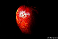The precious apple (Peter Szasz) Tags: art apple fresh fruit healthy health object colourful calm canon clear chill simple food eat still dark bright black red wet drops water indoors upclose 80d canon80d 50 50mm