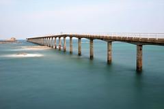 L'estacade de Roscoff (Vicky Bella) Tags: poselongue longexposure estacade roscoff brittany bretagne ciel mer ocean sea