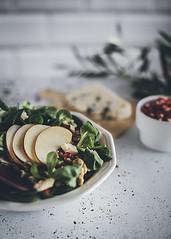 Apple Salad (MaríaJCM) Tags: ensalada granada luzlateral manzana planopicado roquefort verde apple salad food lunch