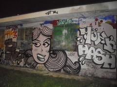 l'anno del gine... (en-ri) Tags: funk hash throwup ragazza girl testa head nero bianco argento torino wall muro graffiti writing 2018