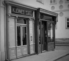Kleines Café (Petri Juhana) Tags: vienna wien austria city urban café bw monochrome film anlog lovely travel tourism vacation world europe art pause walk