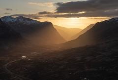 Glencoe Sunset (jasty78) Tags: beinnachrulaiste buachailleetivemor buachaille sun sunset gold golden goldenhour landscape light glow hill mountain winter glencoe scotland nikond810 1635mm 35mm nikkor1635mm nikkor1635mmf4