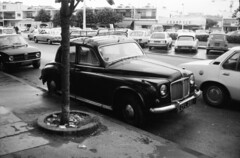Rover P4 CFL 261 (GB) + Renault 4 Super Royan Holiday in France Charente Maritime (17) 1977 (willemalink) Tags: holiday france charente maritime 17 1977 cfl261 rover p4 cfl 261 gb renault 4 super royan