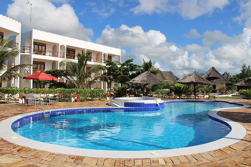 Reef & Beach Resort pool