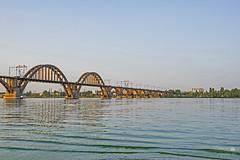 Die Merefa-Cherson-Brücke (ucrainis) Tags: bridge dnipro dnieper river ukraine evening summer water waves nature riverscape landscape city