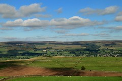 Castle View (RoystonVasey) Tags: canon eos m 1855mm stm zoom north yorkshire dales ydnp west burton wensleydale waldendale